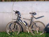 Rower i wielka rura